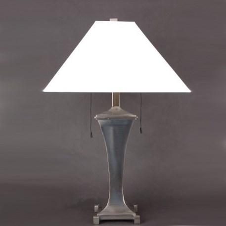 Tafellamp met nikkelen voet en wit linnen kap