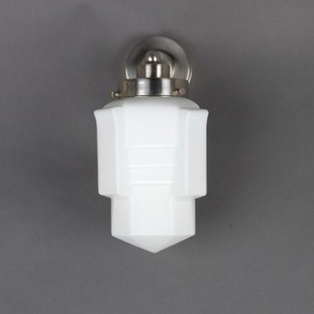 Wandlamp met matnikkel, strak armatuur en opaline / melk witte glaskap