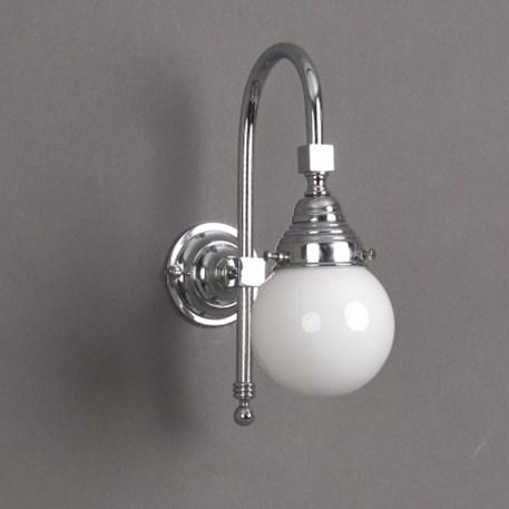 Badkamer wandlamp in chroom met opaal witte glasbol 10cm