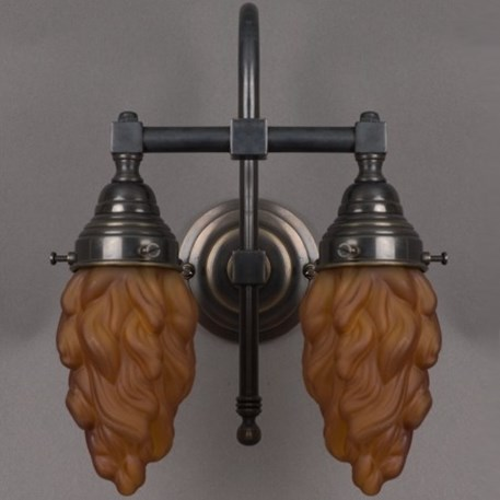 Badkamer wandlamp grote boog met bronzen armatuur en bruine, vlamvormige glaskappen