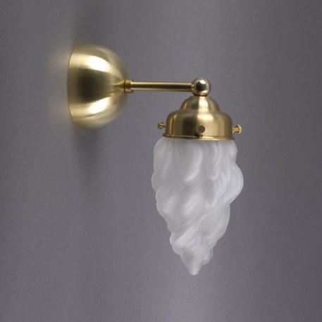 Wandlamp in ijsberg vorm of vlammen vorm met afgerond messing armatuur