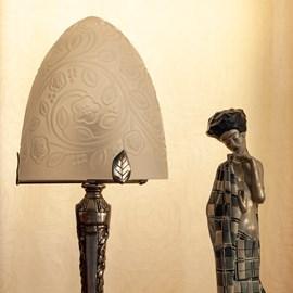 Franse Art Deco Tafellamp Koepel Bloemen